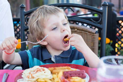 Toddler-eating-out