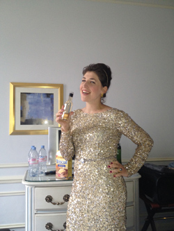 mayim-golden-dress