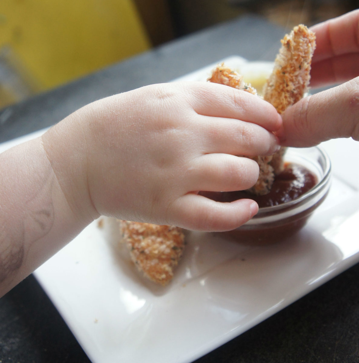 baked chicken fingers dipping