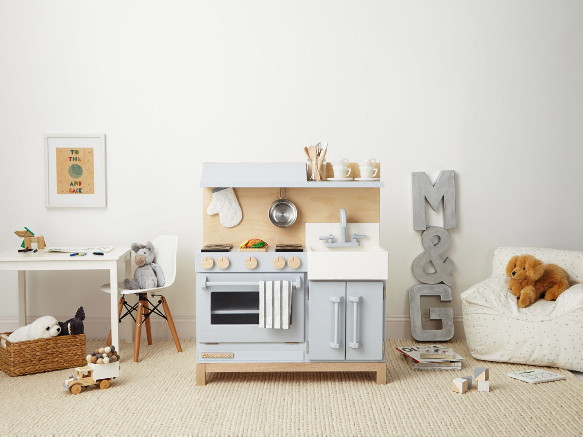 This Mom Couldn\'t Find Eco-Friendly, Gender-Neutral Play Kitchens ...
