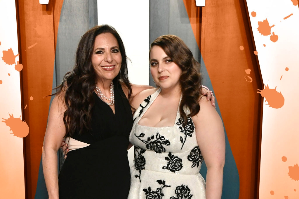 Beanie Feldstein's Proud Jewish Mom on the Oscars Red Carpet Is All of Us – Kveller