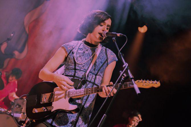 Jewish Musician Ezra Furman Announces She's a Woman —and a Mom!